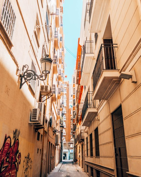 narrow streets of Malaga