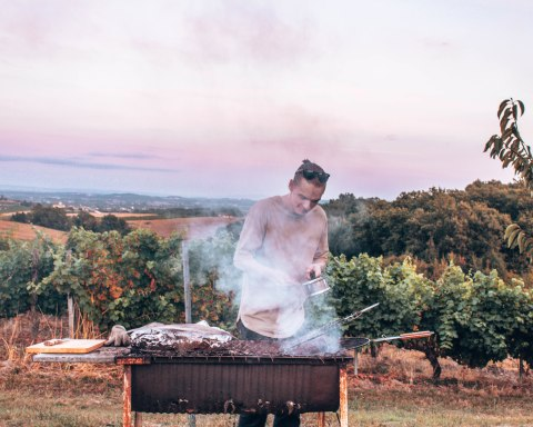 @pepinmtl cooking an amazing meal in Gaillac, France