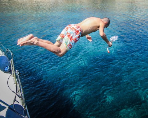 wediditourway Derek diving off xanemo sailing boat Naxos Greece