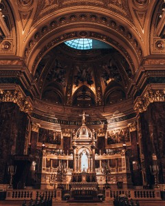 Take a look inside St Stephen's Basilica in Budapest, Hungary