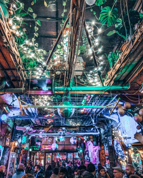 Come party at Szimpla Kert in Budapest, Hungary